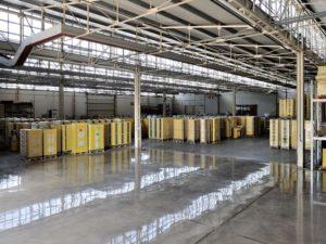 lucidatura pavimento cemento capannone industriale