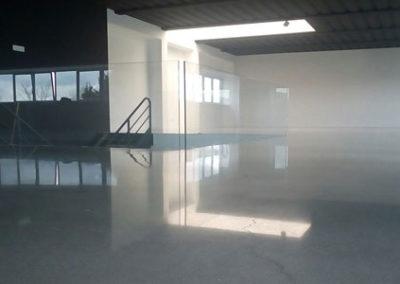 lucidatura pavimento in cemento capannone