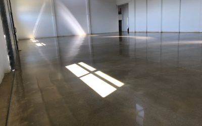 Grinding and polishing service on concrete floor – Rovigo, Italy