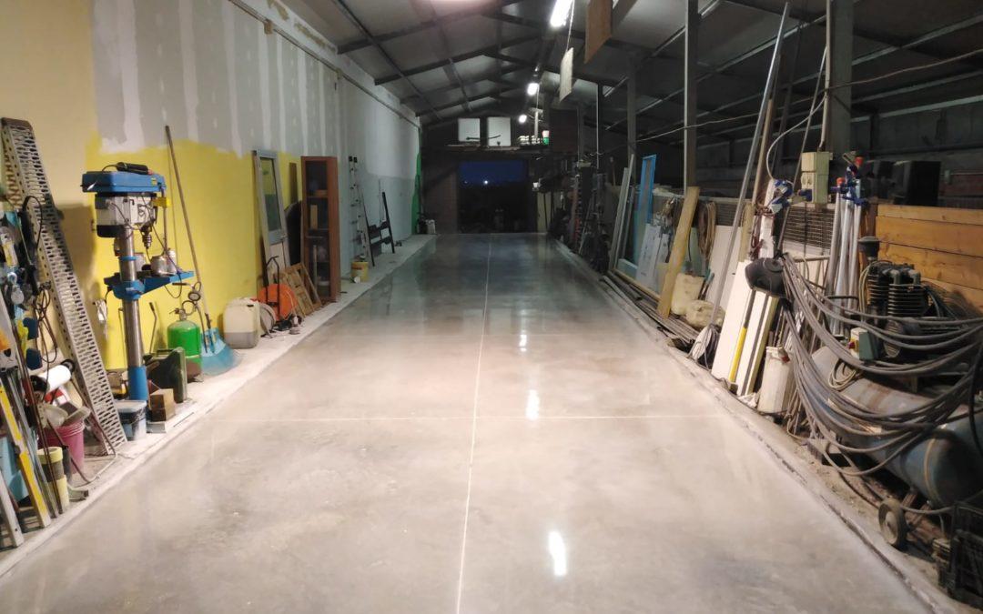 Lucidatura pavimento in cemento officina a Bologna